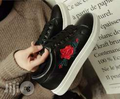 Chic Black And White Sole Flowered Sneakers
