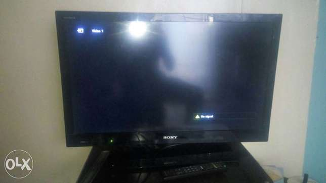 Sony brava flat screen TV 32 , inch Donholm - image 1