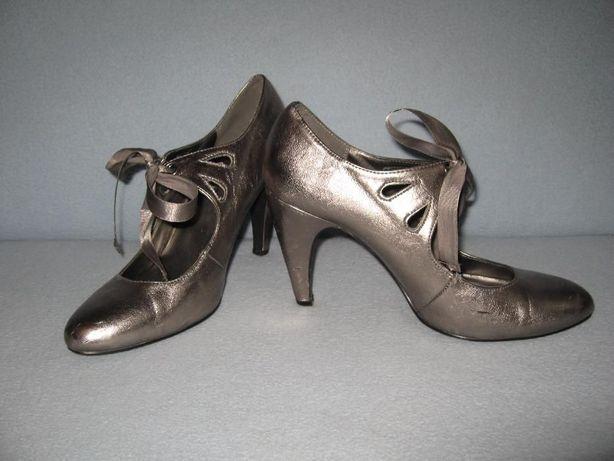 Класні мешти-туфлі 72223e32230fd