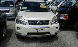 Nissan xtrail pearl white with body kits 2010