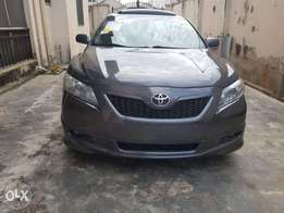 Toks Toyota Camry sport SE 2008 with clean fabric interior for sale