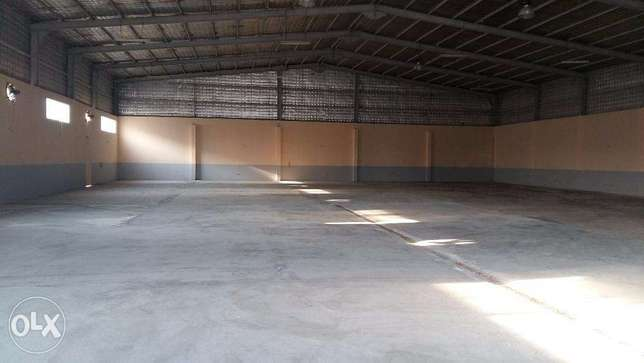 800 sqmr Garage & 4 Room for rent