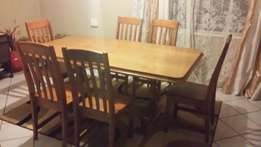 7 Piece Dining room table with 2 piece Sideboard and Hostess