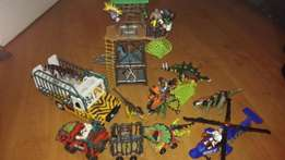 """Jurassic Park"" Dinosaurs and vehicles toy set."