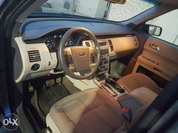 FORD FLEX 2010 Model now on Offer Lagos Mainland - image 4