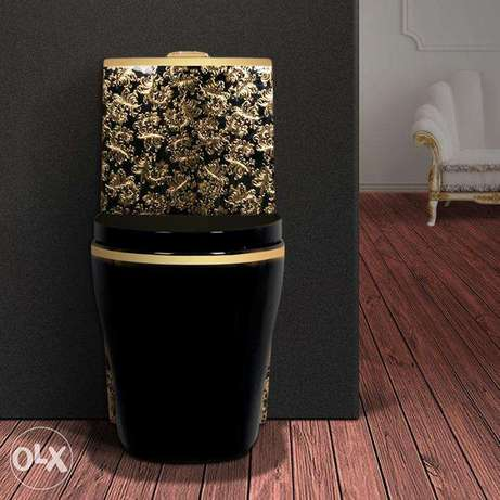 Luxury black toilet desigh model with gold flowers الرياض -  2