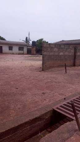 For Sales:Decent 3 bedroom's flat bungalow at Sango toll gate Lagos Mainland - image 1