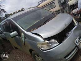 Nissan Serena KBZ with minimal damage on front parr