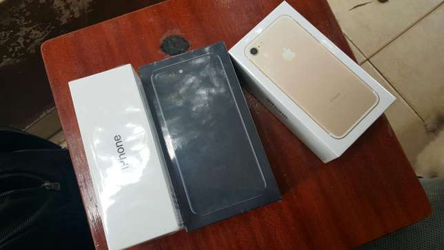 IPhone 7 plus 128gb jet black Nairobi CBD - image 1