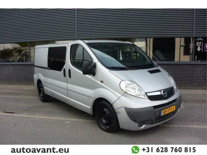 Opel Vivaro 2.0 CDTI L2H1 DC Kasten - 2008
