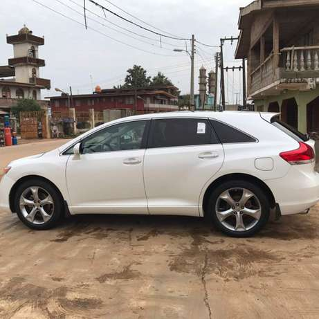 Tokunbo venza for sale full options 011 model Alimosho - image 1