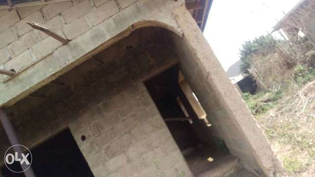 An uncompleted 5bedrooms duplex for sale Ibadan South West - image 1