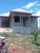 House for sale in Kawuku Entebbe road at 80m with land title