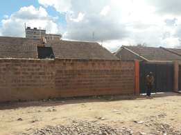 House for sale in umoja tena estate with ready title