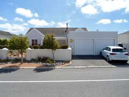 R2800 3 Bedroom House For Sale in Dobsonville Ext 3