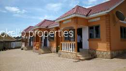 Prepossessing self-contained 2 bedroom house in kira at 500k
