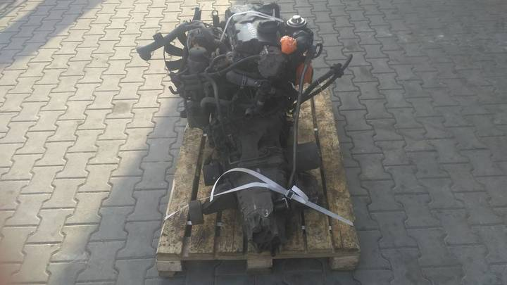 Volkswagen Passat 1.9 AWX ASZ AVF engine for  Silnik Passat 1.9 AWX ASZ - image 5
