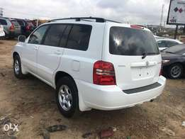 Very clean Toyota Highlander tokunbo jeep 4plugs engine