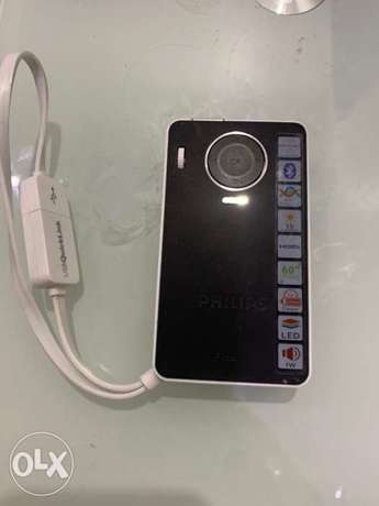 Philips Pocket Projector PPX4350 Wireless, covers 60 inches TV screen الرياض -  3