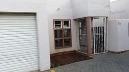 Spacious townhouse to rent in Universitas, close to UFS.