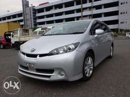 Toyota wish silver colour 2010 model newshape excellent condition