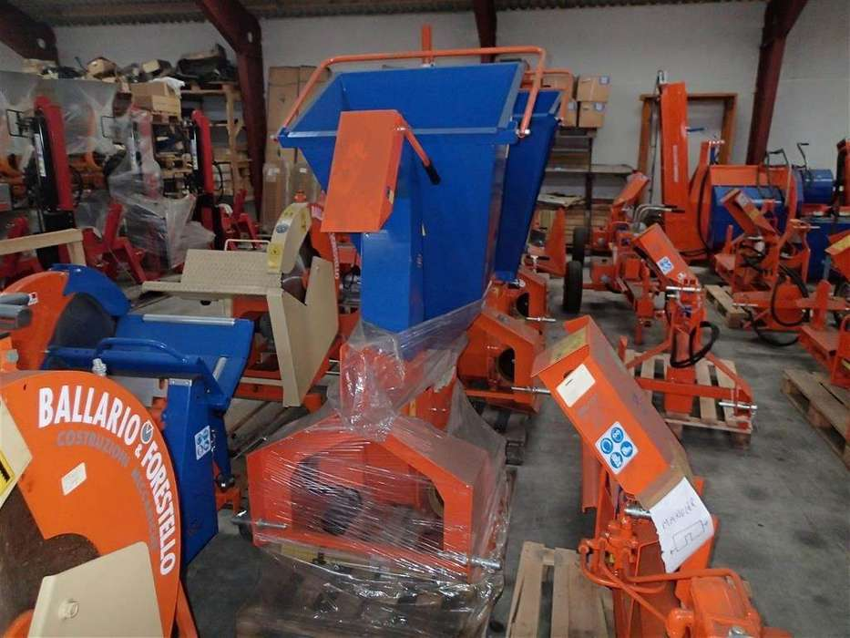Balfor Bf 100c Pto, Lagersalg