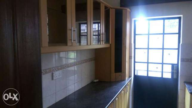 To Let Three bedroom apartment with SQ Kileleshwa - image 4