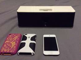 IPod touch 4th gen 16gig and docking station