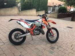 ktm 125 EXC factory addition
