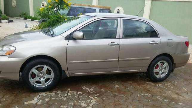 super clean Toyota corolla 2004 model first body leather interior Ayobo/Ipaja - image 2