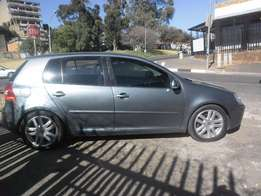 VW Golf 5 2.0 FSI, 2009 model, Grey in color for sale