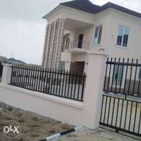 6 bedroom fully detached duplex with 2room BQ located in Royal garden