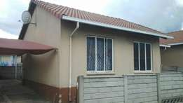 Cozy 2 bed cluster in sought after complex