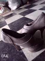 High Heel shoe for sale, Grey color, size37