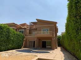 Amazing Twin house 450m with pool and garden in casa Verdi compound