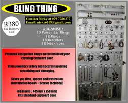 Store jewellery safely and securely, avoiding scratching and damaging