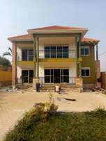 5 bedroom beautiful storied house 4 sale in Nalya at 600m Ugx