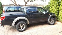 WOW ITS YOURS! MITSUBISHI TRITON 3.2 DiD 4x4 very neat Huge Bargain !