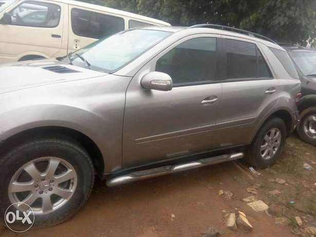 Benz 2008 ml350 has small issue Gwarinpa Estate - image 4
