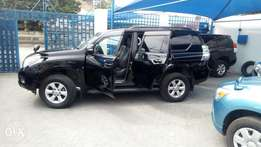 2011 land cruiser with sunroof 7 seater