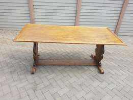 6 seater oak dinning room table