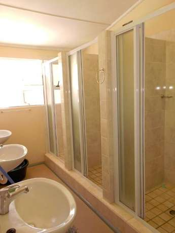 Neat & spacious rooms available in ideal Southernwood location Southernwood - image 6