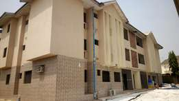 3 bedroom flat for rent in life camp