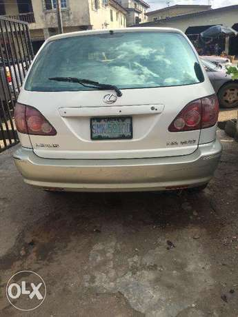 Lexus RX300 first body, clean and just like tokunbo engine Ikeja - image 2