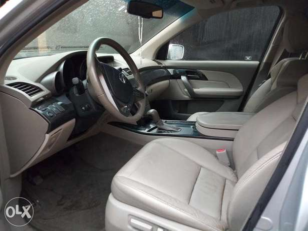 Extremely clean Acura MDX 2008 2month used Surulere - image 4