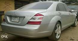 Highly clean and well used Mercedes Benz S 550 at give away price