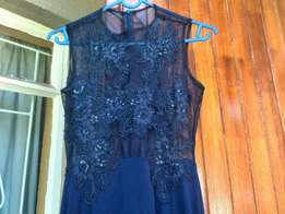 Dress with a leg slit for sale il deliver anywhere in jhb free