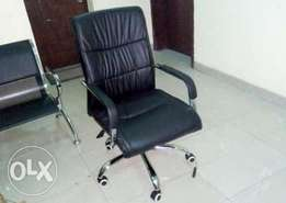 HK1 Office Leather Swivel Quality Chair(New)