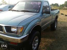 Toyota tacoma direct tokunbo 2005 manual ac with auxilary