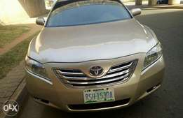 Fully loaded 2008 Toyota Camry LE with full options for sale in Abuja